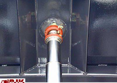 Tippcylinder-infästning